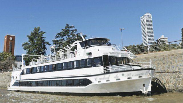 El Puerto de Rosario planea tener un ferry que transporte pasajeros hasta Uruguay