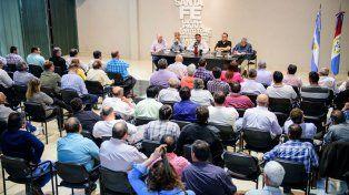 La Federación de Trabajadores Municipales reclamó la reapertura de paritarias.
