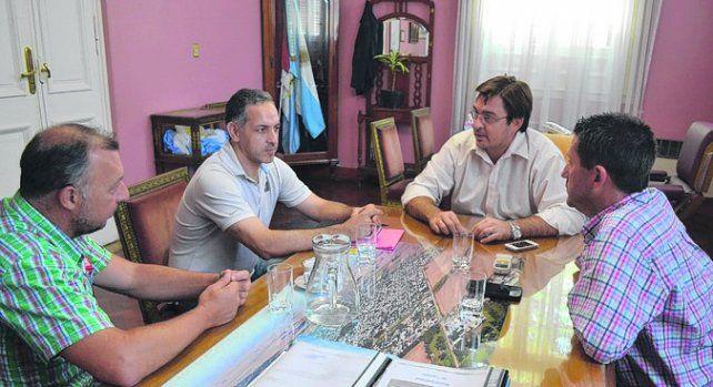 preocupación. El intendente Sarasola se reunió con jefes policiales.