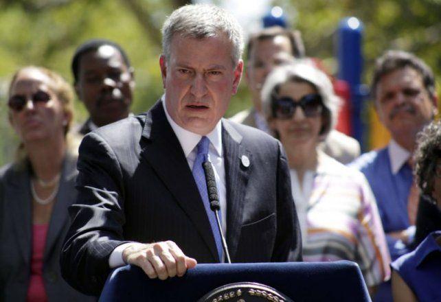 El alcalde de Nueva York desafía a Trump y avisa que seguirán protegiendo a inmigrantes