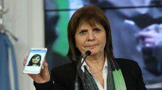 La ministra Patricia Bullrich anunció que va a seguir adelante pese al hackeo.