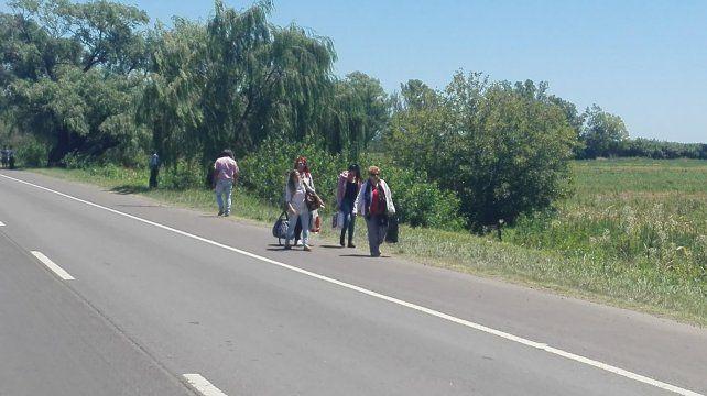 Los pasajeros se fueron caminando hasta la ciudad de Casilda.