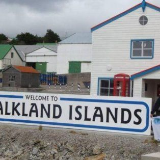 kelpers le piden a trump que tambien erija un muro en las islas malvinas