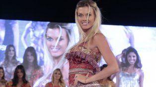 Gisela Berger, la novia de Scioli, lució su belleza en la pasarela  de Pinamar