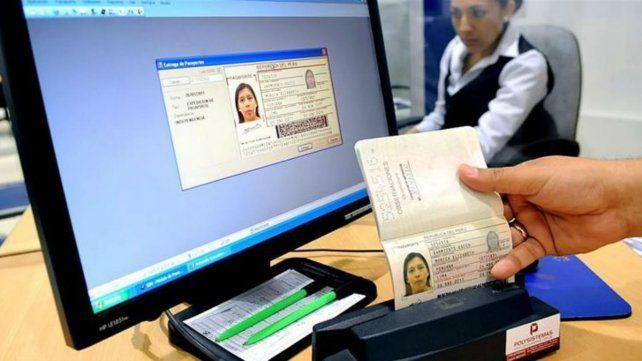 Los principales puntos del decreto del gobierno que endurece la ley de migraciones