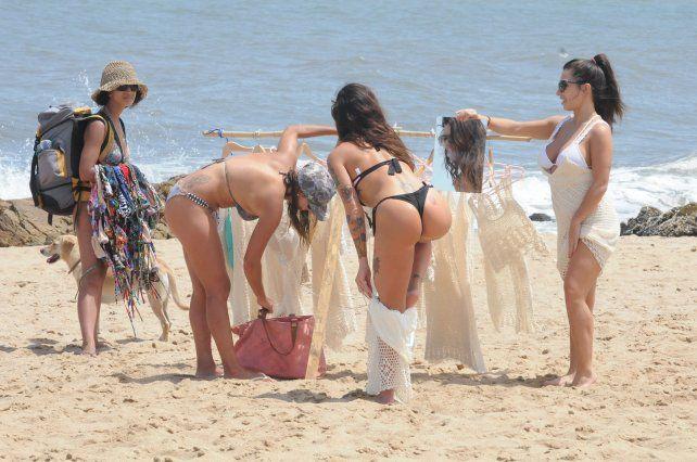 ¡Una bomba! El topless total de Sofía Clerici para despedir enero en Punta del Este