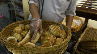 Los panaderos dicen que recibieron aumentos en todos los insumos.