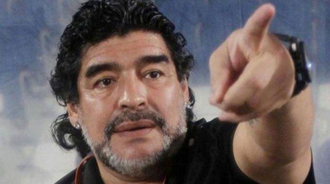 Diego Maradona explotó en ira tras ver una foto de su hijo con un enemigo