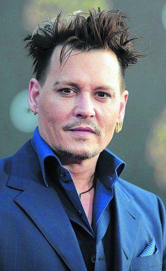 Ostentoso. El actor Johnny Depp.