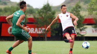 Con la mirada en la pelota. Maxi Rodríguez
