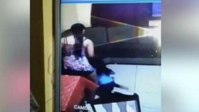 La niñera golpeadora de Misiones se negó a declarar y quedó en libertad