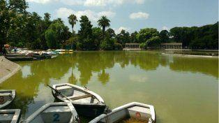 El cuerpo fue encontrado en las aguas del lago del Parque Independencia.