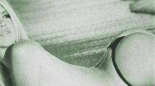 Wanda Nara calentó a sus seguidores con una foto retro de sus curvas en la playa