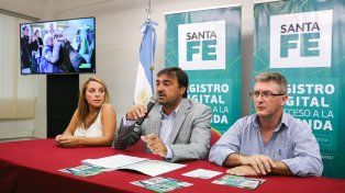 El secretario de Hábitat provincial, Diego Leone, durante la presentación.