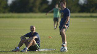 Dúo canalla. Montero y su ayudante Iraola no sólo están en la búsqueda del equipo sino delos refuerzos.