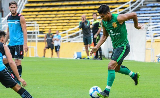 Teo en acción. El colombiano estuvo entre los titulares que igualaron con el Pirata.