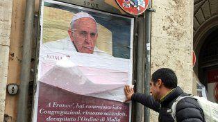 Atención. La comuna de Roma advirtió que se trata de una colocación ilegal de afiches.