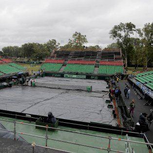 el partido entre charly berlocq y el italiano lorenzi se interrumpio por la lluvia