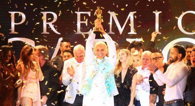 Flavio Mendoza obtuvo el Carlos de Oro en una lista de ganadores rendida al musical