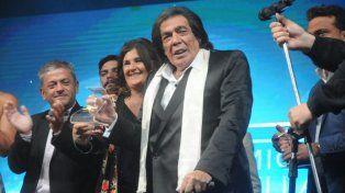 Hubo sorpresa en La Feliz y Cacho Castaña se llevó el premio Estrella de Mar de Oro