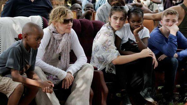 La familia de Madonna se agranda: adoptará a dos gemelas africanas de Malawi
