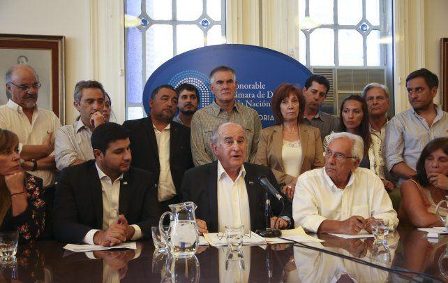 Rueda de Prensa. Parrilli
