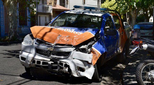 Un móvil policial se estrelló contra el Pami II y dejó sin luz a un sector del hospital
