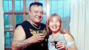 Hugo Orlando Hidalgo y una de sus víctimas. Los investigadores creen que está en Paraguay.