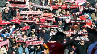 Los hinchas del Rayo Vallecano obligaron a suspender la llegada de un refuerzo