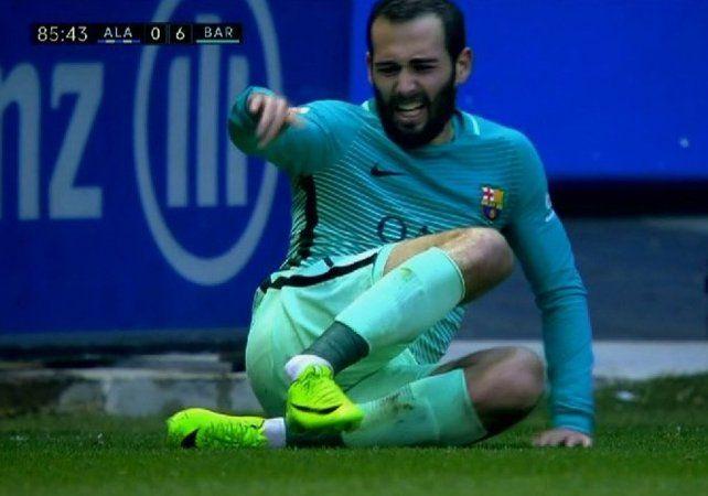 Aleix Vidal sufrió una terrible lesión en los minutos finales del partido entre Barcelona y Alavés.