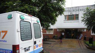 La víctima del violento episodio fue derivada al Hospital Alberdi con una herida de arma de fuego.