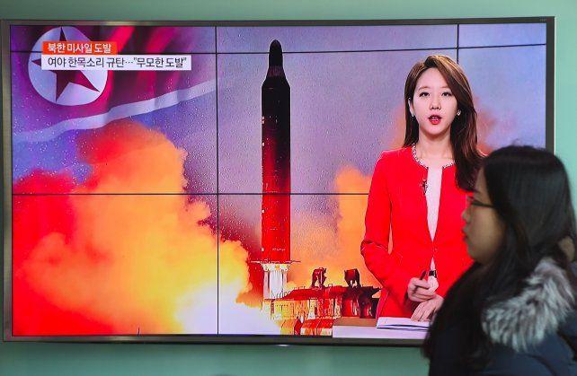 Norcorea dispara un misil para desafiar a Trump y Japón