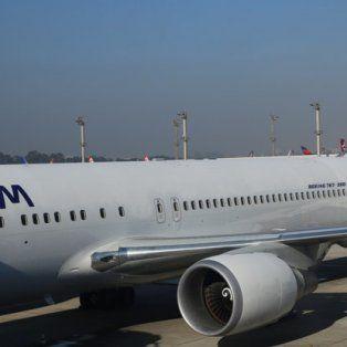 En el vuelo viajaban 121 pasajeros que finalmente llegaron a Lima aunque la mayoría perdió las conexiones previstas.