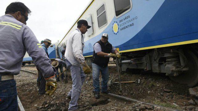 Un tren que iba a Tucumán descarriló en inmediaciones del Parque Scalabrini Ortiz