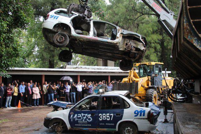 Comenzó la compactación de los autos secuestrados a la banda narco Los Monos