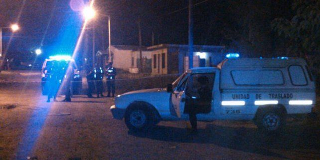 Detuvieron a un joven acusado de asesinar a un hombre en la puerta de su casa