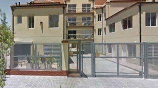 El crimen ocurrió en un complejo de departamentos de calle Italiani al 300