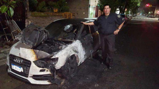 Apareció incendiado frente a su casa el auto de alta gama de un jugador de River