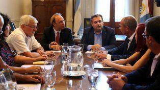 Sin números sobre la mesa, terminó la primera reunión de la paritaria estatal