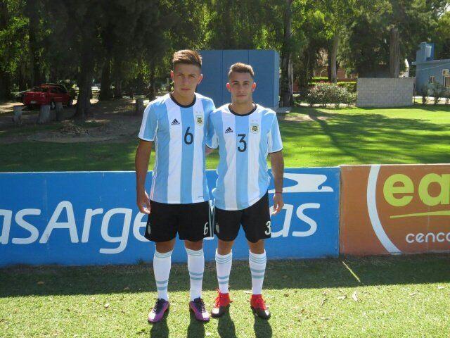 Con la albiceleste . Lisandro Martínez (6) y Milton Valenzuela (3)