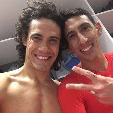 Fideo y el uruguayo Edinson Cavani festejaron sus cumpleaños en el vestuario.