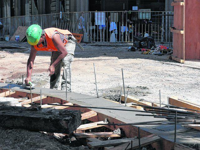 Albañiles. Los obreros de la construcción sufren heridas como consecuencia de su actividad con frecuencia.