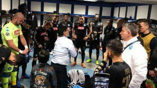 Diego estuvo en el vestuario napolitano en la previa del choque ante Real Madrid.