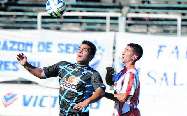 El Toro. Leandro Cabral se trasnformó en uno de los cuatro refuerzos en el albo.