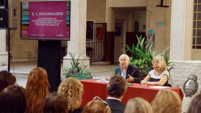 El gobernador Miguel Lifsthitz y la minstra de Educación