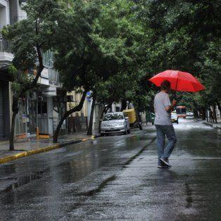 El pronóstico anticipa lluvia para toda la jornada de hoy.