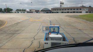 Otro ángulo. Un piloto mostró los deterioros desde la cabina de su avión.