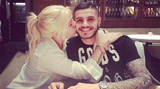 La imagen que compartió Wanda junto a Mauro en la cena por el festejo de su cumpleaños.