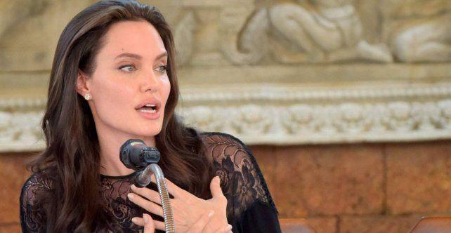 Con lágrimas en los ojos, Angelina Jolie habló por primera vez del divorcio con Brad Pitt