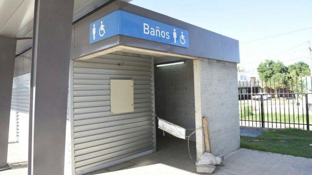 Denuncian abandono y falta de mantenimiento en la estación de trenes del Apeadero Sur